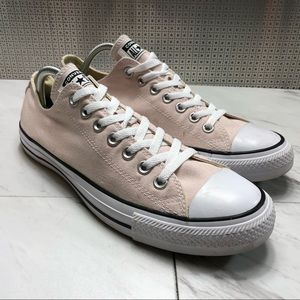 Converse all star chuck Taylor's low top shoes